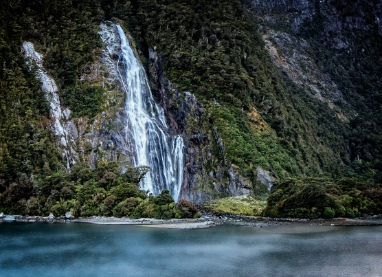 Waterfall Milford Sound NZ